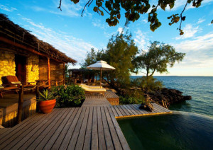 Villa-Quilalea-deck-view-from-side. Mozambique